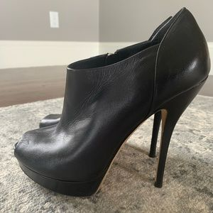 Gucci Charlotte Peep toe booties